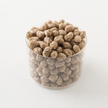 Intérieur d'un paquet de flocons de sarrasin bio.