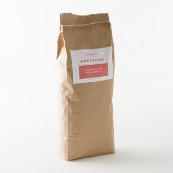 Sac de 5kg d'un sac de couscous bio semi-complet.