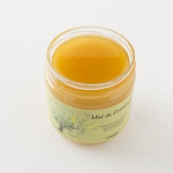 Intérieur d'un pot de miel de printemps