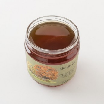 Intérieur d'un pot de miel de forêt