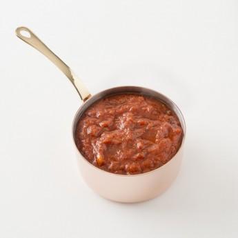 Détail de la sauce tomate au basilic