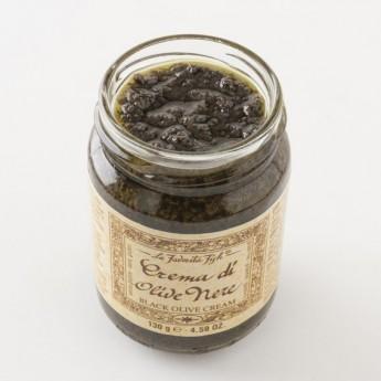 Détail de la tapenade d'olive noir
