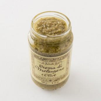 Sauce à l'aubergine et olives vertes