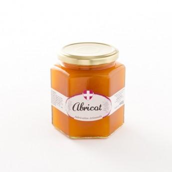 Pot de confiture d'abricot traditionnelle